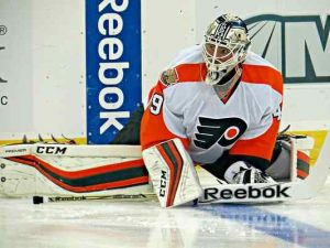 Flyers rookie goalie Alex Lyon