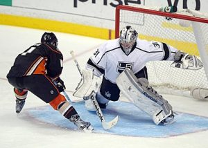 Martin Jones in NHL debut with Los Angeles Kings